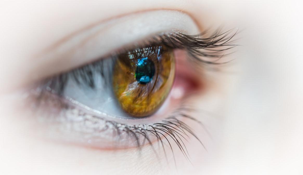 Czym różni się okulista od pozostałych specjalistów zajmujących się wzrokiem?